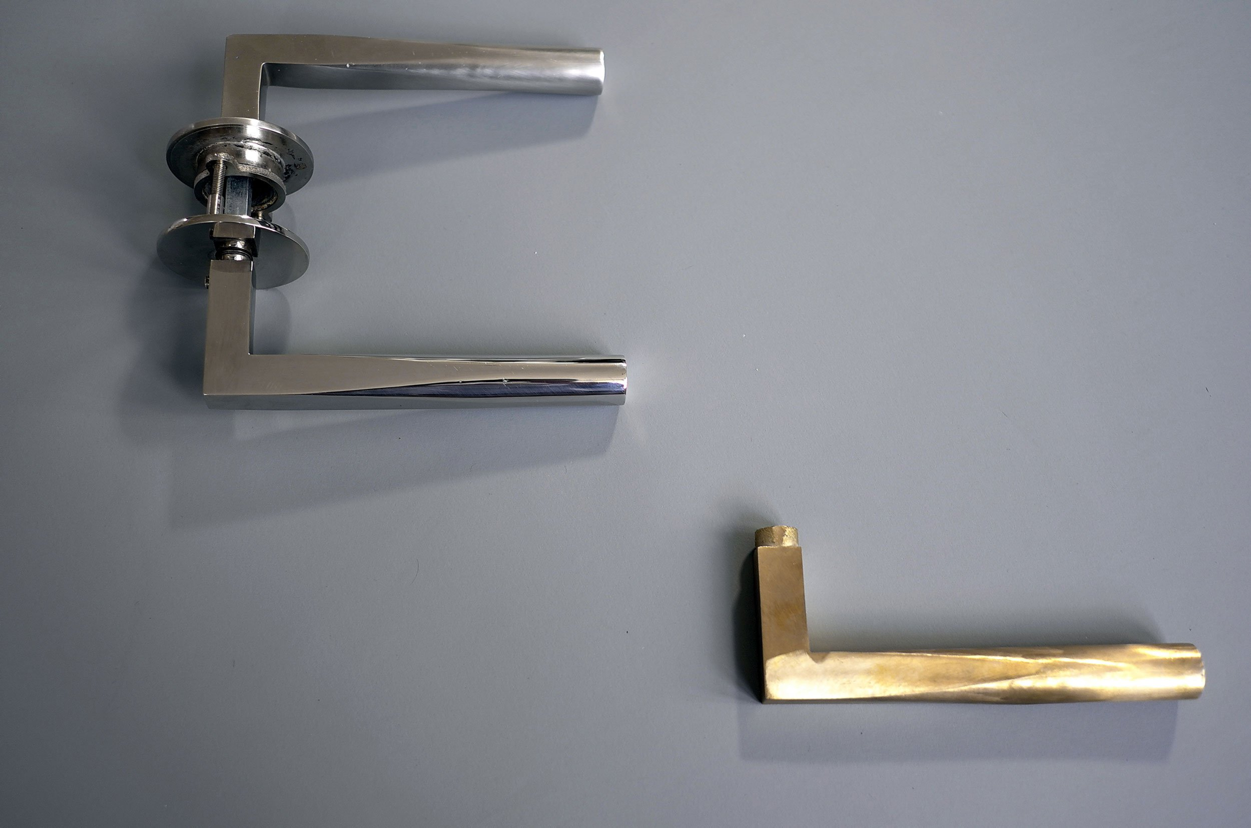 Vicky_Door_Handles_LEVER-HANDLES-ON-TABLE.jpg